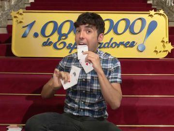 """El """"Mago Pop"""" nos enseña sus famosos trucos"""
