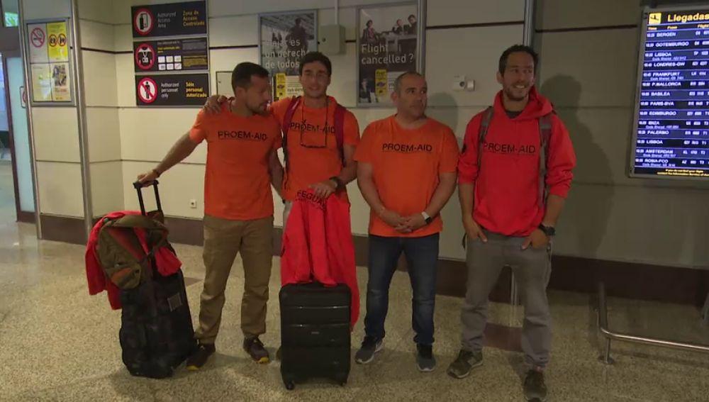 Los bomberos sevillanos juzgados en Lesbos ya están en España