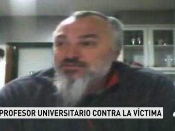 """Un profesor de la Universidad de Santiago de Compostela, sobre la víctima de 'La Manada': """"La chavala se deja hacer evidentemente y disfruta"""""""
