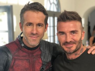 Ryan Reynolds junto a David Beckham