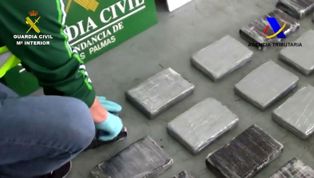 La Guardia Civil incauta 28 kilos de cocaína oculta en sacos de azúcar