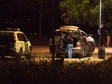 Miembros de la guardia civil y de la policía municipal se ha personado en el campo de tiro de Las Gabias