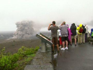 Hawái emite una alerta por gas tóxico y advierte de que nuevas áreas están en peligro por el volcán Kilauea