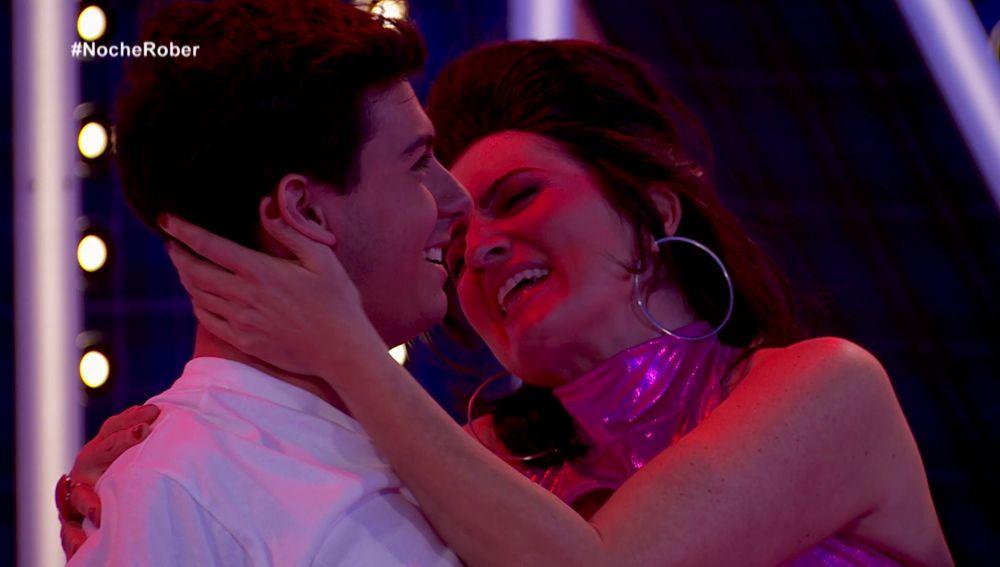 Alfred despierta los celos de Amaia con el 'pegadísimo' baile de Silvia Abril