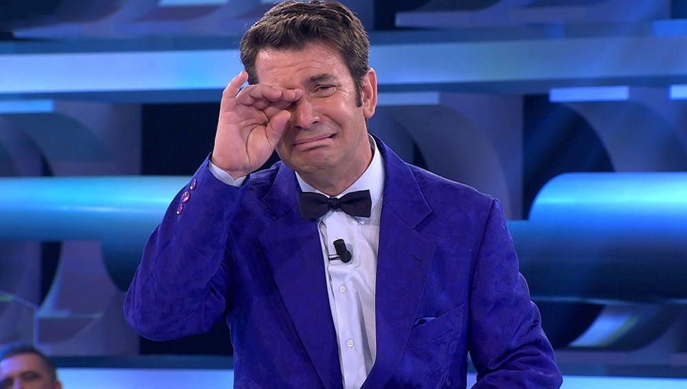 El padre de Arturo Valls felicita a su hijo en directo por el programa 1.500 de '¡Ahora Caigo!'