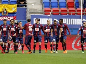 El Eibar celebrando el gol de la victoria