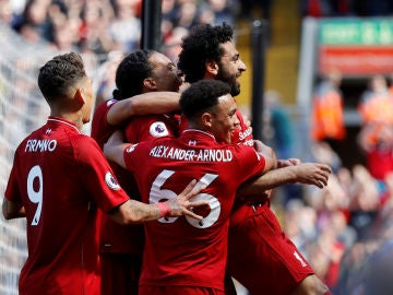 Salah celebrando el primer gol del Liverpool