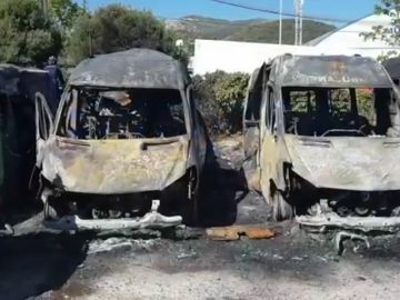 La Policía investiga un incendio que ha acabado con séis ambulancias calcinadas en Algeciras