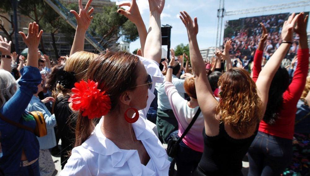 Imagen de personas bailando flamenco
