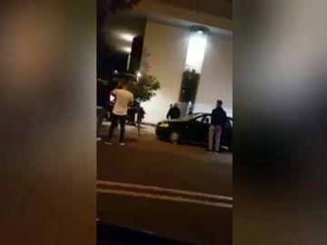 Brutal agresión a las puertas de una discoteca de Sevilla