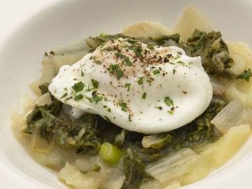 Karlos Arguiñano en tu cocina: Acelgas con anchoas y huevo escalfado