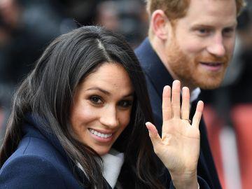 El príncipe Enrique de Inglaterra y su prometida, Meghan Markle