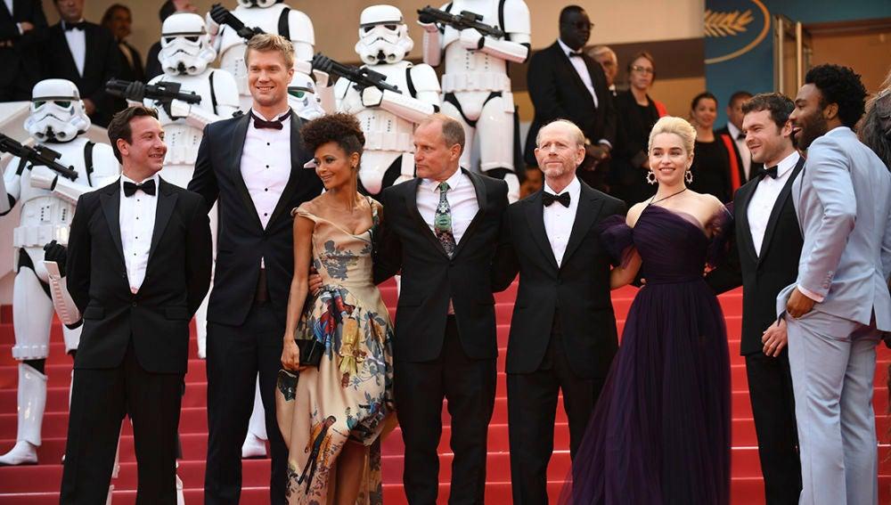 Thandie Newton junto al reparto de 'Han Solo: Una historia de Star Wars' en Cannes