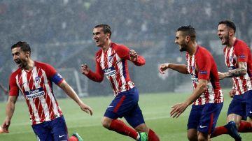 Los jugadores del Atlético de Madrid celebran el segundo gol de Griezmann