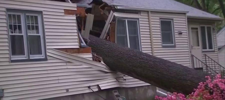 Al menos dos personas han muerto a causa del mal tiempo que azota la costa este de Estados Unidos