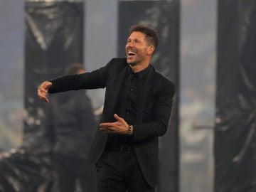 Simeone celebra el título en la Europa League
