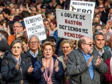Pensionistas durante una manifestación en Bilbao