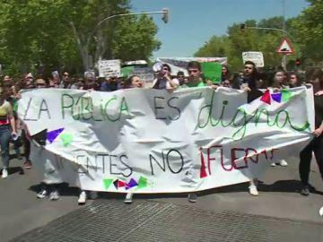 Protesta de estudiantes por el regreso de Cifuentes a la universidad