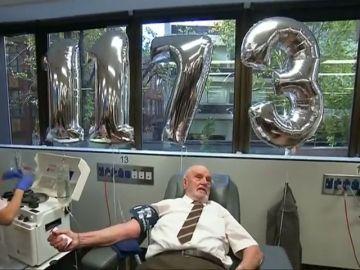 James Harrison, 'el hombre del brazo de oro', se jubila después de salvar la vida de más de 2,4 millones de bebés