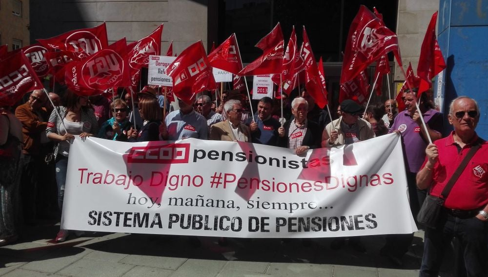 Concentración de los sindicatos en Ciudad Real en defensa de las pensiones