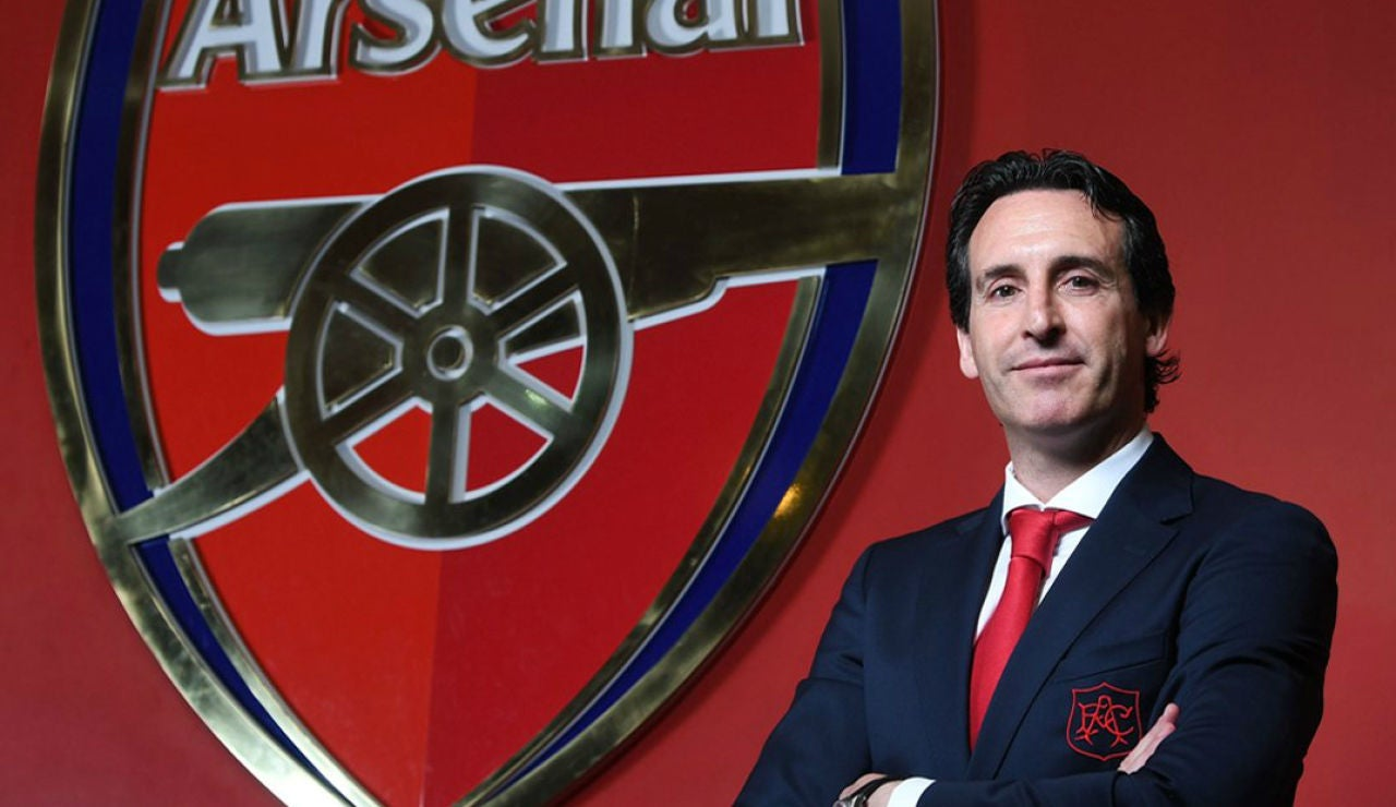 Unai Emery en su presentación como técnico del Arsenal