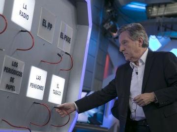 Iñaki Gabilondo augura qué no seguirá existiendo en 25 años: el Euro, el tabaco, el PP o el PSOE
