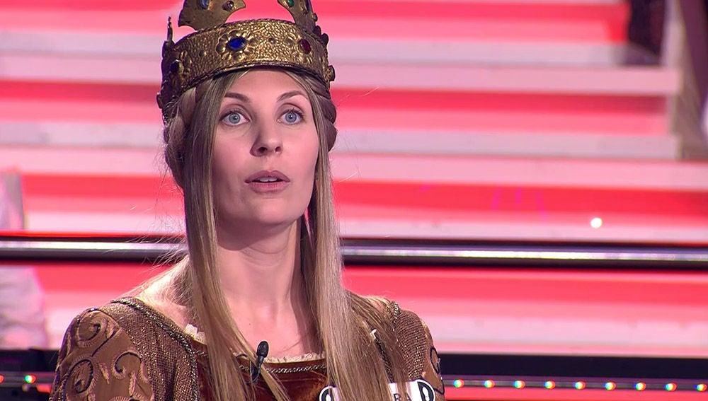 """El guiño de Arturo Valls a la reina de '¡La Catedral del Mar!': """"¿Cómo te llevas con la madre reina?"""""""
