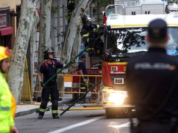Parte del forjado de un edificio en rehabilitación, en el número 19 de la calle del General Martínez Campos, en el distrito de Chamberí de Madrid, que se derrumbó