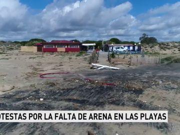 Vecinos protestan por la falta de arena en las playas