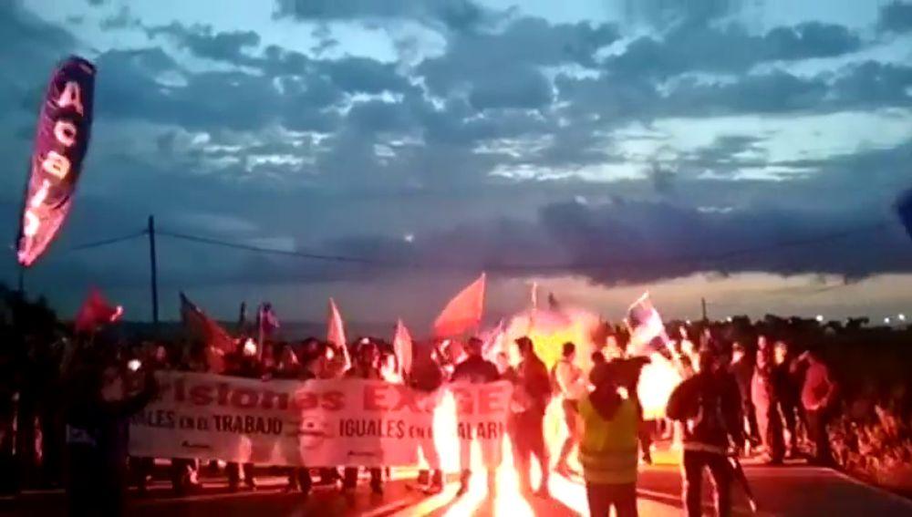 Protesta de funcionarios de prisiones bloquea actividad cárceles de Cádiz