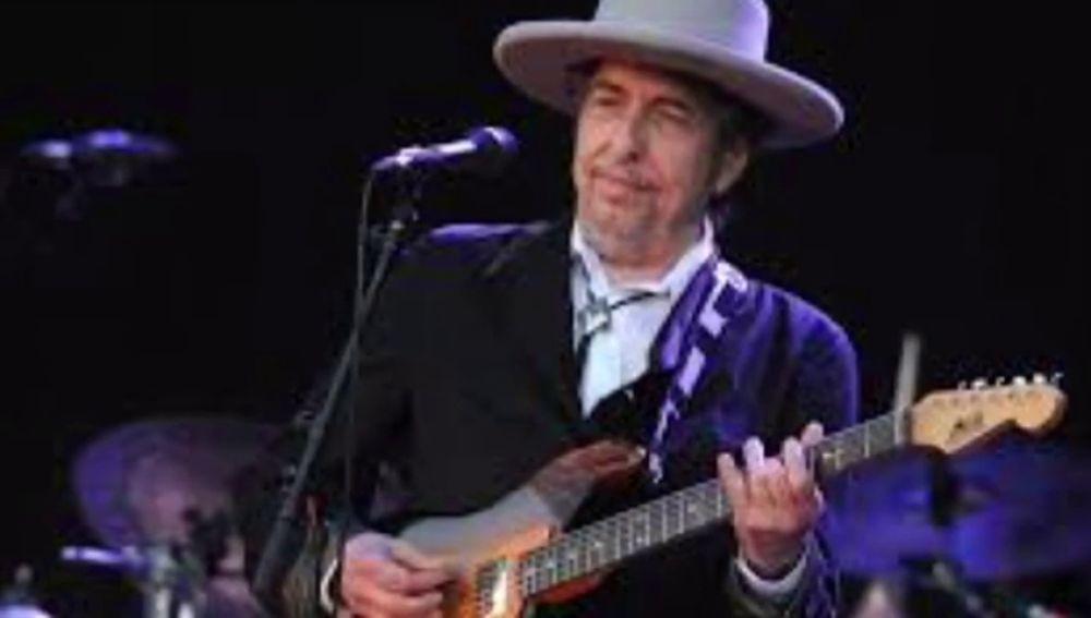 """Bob Dylan cumple 77 años pero se mantiene """"Forever Young"""""""