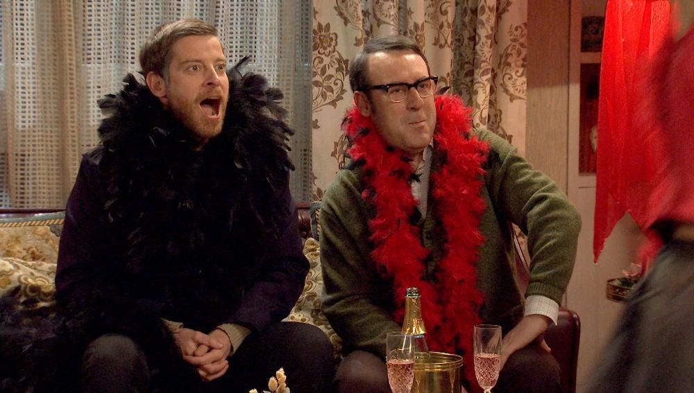 Benigna y Manolita dejan a sus maridos con la boca abierta con un show 'picantón'