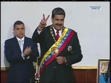 Maduro jura como presidente de Venezuela hasta 2025
