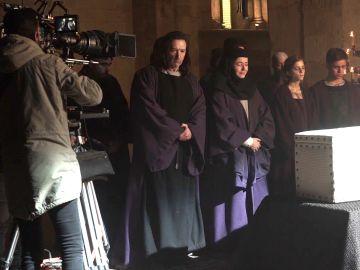Nos colamos en el entierro de Guiamón para ser testigos de la tristeza de los Puig