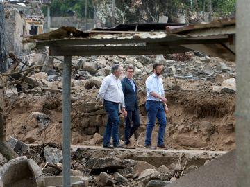 El presidente de la Xunta Alberto Nuñez Feijóo, visita la localidad gallega de Tui