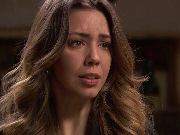Emilia le pide ayuda a Fe para que su plan salga adelante