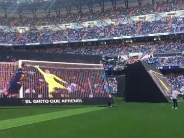 El Bernabéu canta al unísono el himno del Madrid antes de la final de Champions