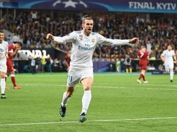 Gareth Bale celebra su segundo gol