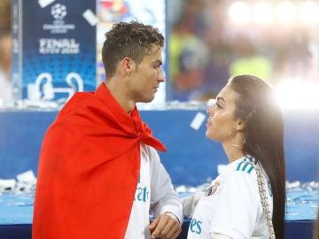 Cristiano Ronaldo y Georgina Rodríguez tras ganar el Real Madrid la final de la Champions League