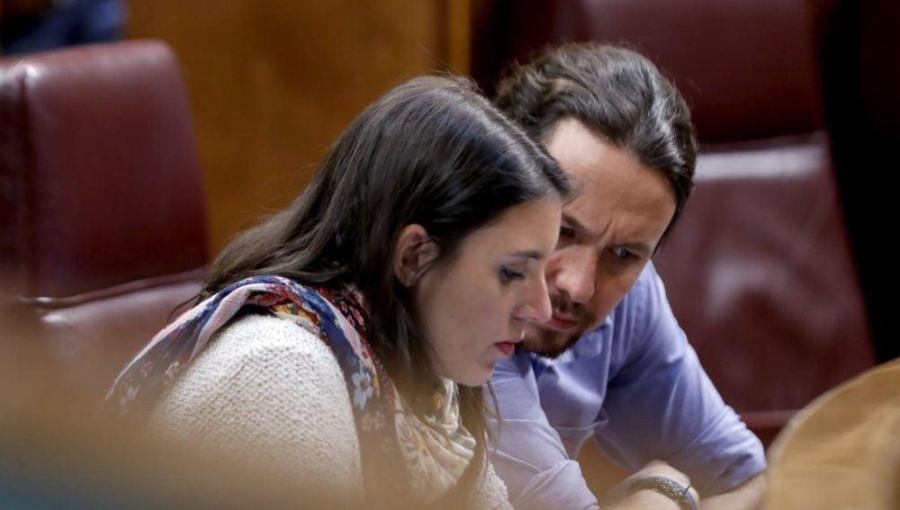 Irene Montero y Pablo Iglesias en el Congreso de los Diputados