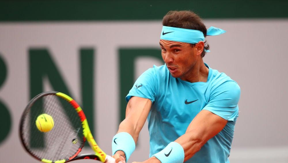 Nadal, en acción en su debut en Roland Garros frente a Bolelli