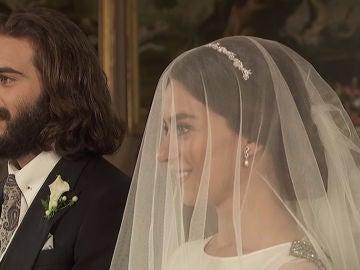 La boda de Elsa e Isaac, empañada por la tragedia