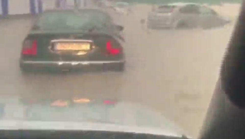 La localidad albaceteña de Hellín sufre una gran tromba de agua y granizo que inunda su hospital y su pabellón municipal