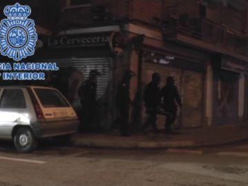 Identifican a tres radicales en Madrid en una operación en varios países por los disturbios del G-20 en Hamburgo