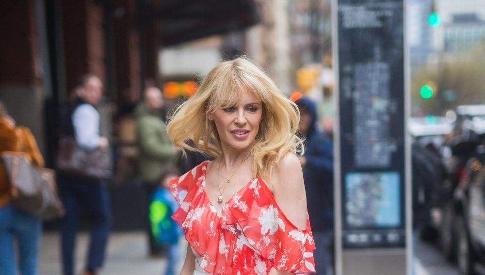 El Potente Desnudo De Kylie Minogue Por Su 50 Cumpleaños Famosos Y