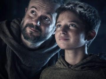"""Padre Albert inunda de felicidad a Arnau frente a su madre: """"¿La ves sonreír?"""""""