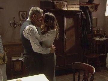 Emilia y Alfonso, una pareja unida y apasionada