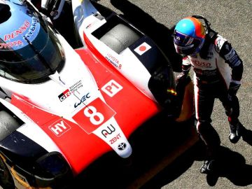 Fernando Alonso, con el Toyota LMP1