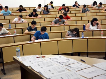 El lunes comienza la EvAU en el distrito universitario de Castilla-La Mancha
