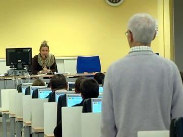 <p>Macrojuicio contra una trama que falsificaba exámenes para el carnet de conducir</p>